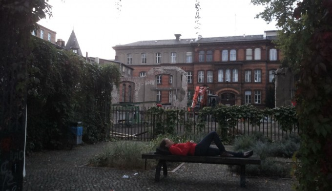 berlin-hala-bench